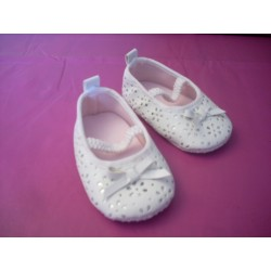 Adorables ballerines blanches T18 (3-6 mois)