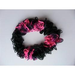 Écharpe maille éffilée noire/rose fluo