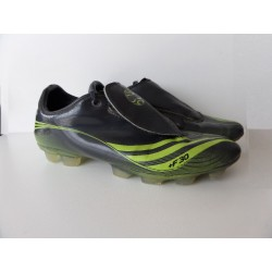 Crampons Adidas pointure 40
