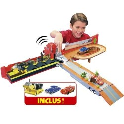 CAMION CARS MACK méga play set de mattel