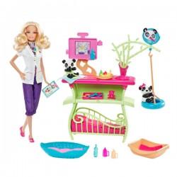 Barbie soigne les pandas de Mattel