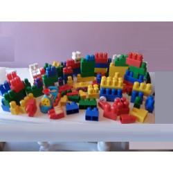 Lot Mega Blocks 91 pièces avec train