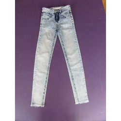 Jean slim ultra extensible taille 22X32 (12 ans)