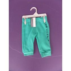 Neuf ! Pantalon de sport vert émeraude 3 mois