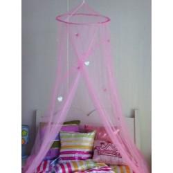Moustiquaire rose avec Papillons